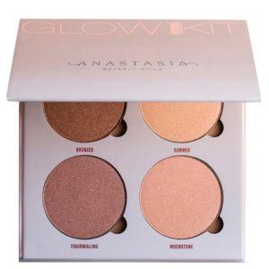 NWT Anastasia Beverly Hills Sun Dipped Glow Kit